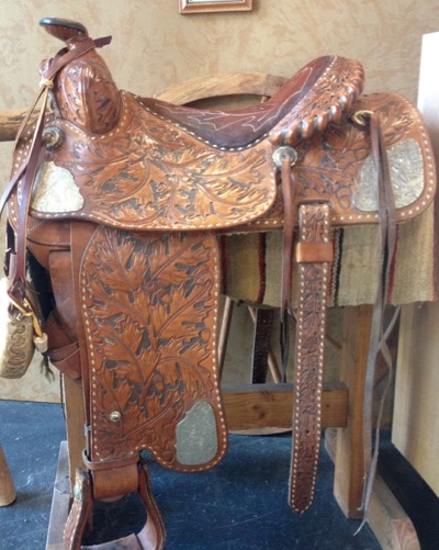 Pro Equine Grooms - Deal With a Squeaky Saddle!