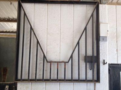 yoke on dutch door.jpg & Pro Equine Grooms - Stall Doors
