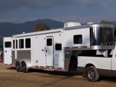 What You Need to Travel Across State Lines With Your Horse